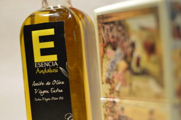 empaquetado y etiquetado aceite de oliva