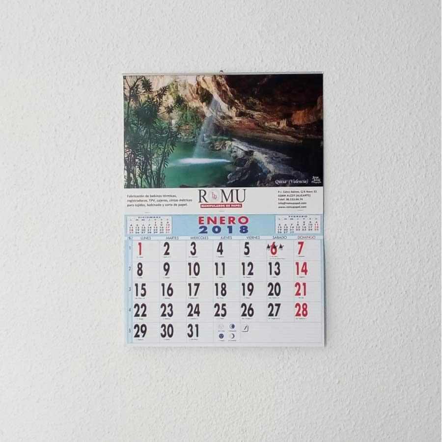 Impresión de calendarios con faldilla personalizados.