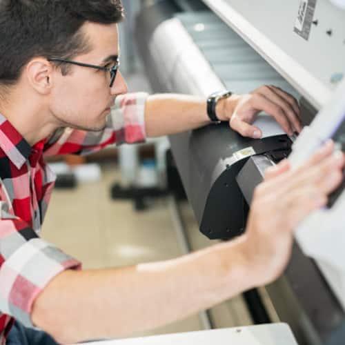 Imprenta para terceros. Podrás ser revendedor y enviar los productos de imprenta a terceros sin coste adicional.
