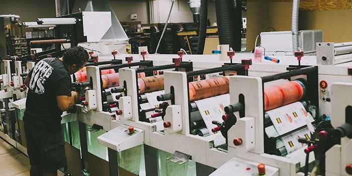 maquinaria de impresión flexográfica