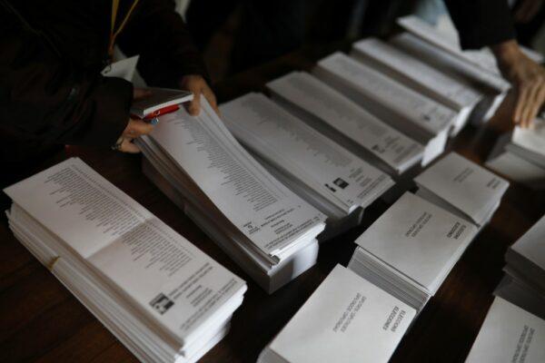Impresión papeletas elecciones politica