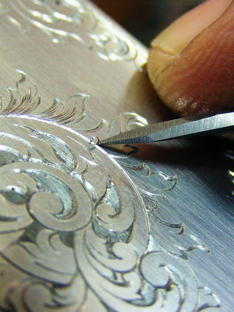 artesanal grabado en metal