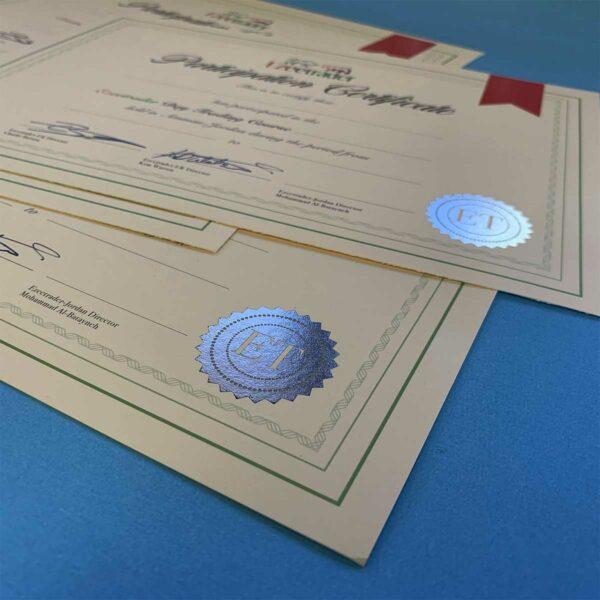 Imprimir diplomas profesionales de calidad para certámenes y eventos empresariales.