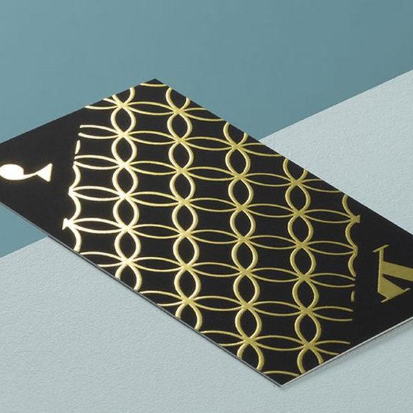 imprimir tarjetas con oro en relieve. Tinta metálica dorada para la impresión de tarjetas de visita