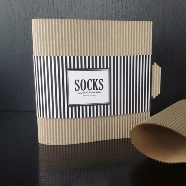 Caja de packaging para ropa personalizado.