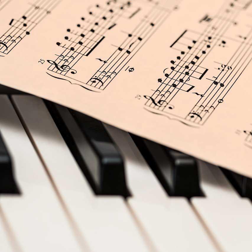 Publicar libro de partituras profesional para músicos.